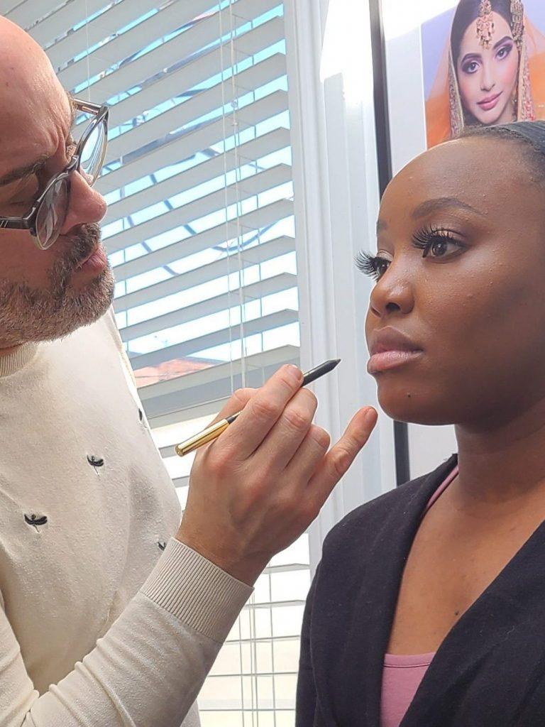 Maquillage femme noire Leçon de maquillage privé à Montréal